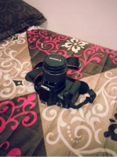 للبيع كاميرا كانونD1100