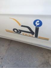 تاكسي للبيع نظيف