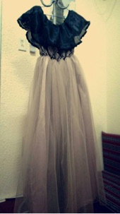 فستان تفصيل جديد لم يستخدم