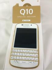 بلاك بيري Q10 ذهبي مميز