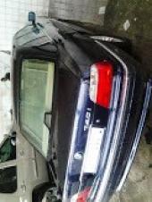 سيارة BMW 740i   موديل 1999