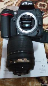 كاميرا نيكون D7000   18-105 VR Kit بحالة ممتازة