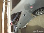 سيارة كامري 2005 مسمكرة بالكامل.. السيارة مقبولة.. فيه مشكلة في علبة الدركسون إللي فوق بحيث تعمل صوت
