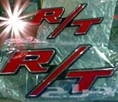 2 علامات ار تي RT حمراء للبيع لهواة التعديل