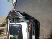 دينا ميتسوبيشي 5 طن  موديل 2004 ماشي في حدود 380 الف عليها شبك قمة النظافة  السيارة علي  الشرط