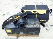 للبيع كاميرا نيكون d3200 شبه جديده بكامل اغراضها وضمان الوكيل