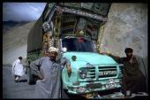 سائق شاحنه للتنازل  المدينه المنوره