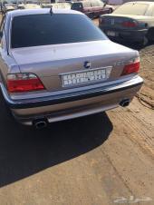 للبيع BMW 740I موديل 95 واجهة 2000 فل كامل وفحص كامل غرفه جلد اسود جنط Rj كفرات دنلوب ياباني جديد فح