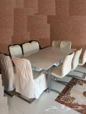 للبيع طاولة طعام مودرن 8 كراسي قابلة للتمدد من هوم سنتر