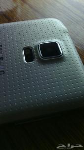 SAMSUNG S5  فقط 550 ريال تطبيق اماراتي اللحق كميه محدودة