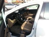 سيارة هونداي ازيرا اللون ابيض 2013 فل كامل ماشيه 26500 كم استخدام شخصي الناغي نظيفه جدا