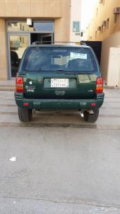 سيارة جيب جراند شيروكي98  8 سيلندر فل كامل نظيف