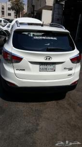 للبيع سيارة توسان نص فل 2011 نظيف