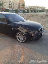 BMW  2007   حجم 750مواصفات خاصه للبيع مصدوم