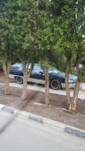 للبيع سيارة كابريس بوكس موديل 1992 لون ازرق غامق