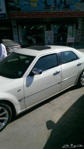 سيارة كرايزلر هايمى  سى 8 موديل 2005 نظيفة 300سى سى  للبيع