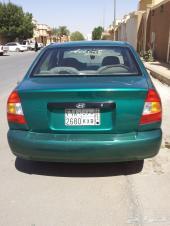 سيارة هيونداى اكسنت 2001 - جير عادى - ماكينة على الشرط ب 5000 ريال