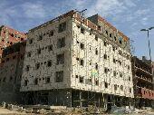 شقة فاخرة للبيع بمساحه كبيره 3 غرف وصاله في (حي السامر ) تشطيب فاخر جدا