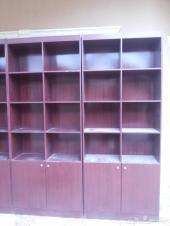 للبيع رفوف خشبيه 8 حبات للكتب وللمحلات والخ