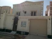 للبيع فيلا دور و شقتين غرب الرياض نفبل الصندوق العقارى