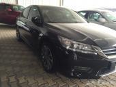 للبيع هوندا اكورد V6 موديل 2013 فل كامل