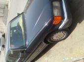 سيارة مرسيدس موديل 1990 نظيفة
