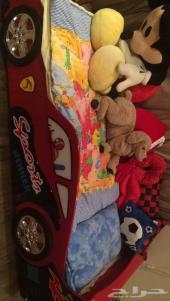 سرير اطفال وسرير عادي للبيع