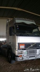رأس شاحنة فولفو FH12  460  موديل 2001 للبيع