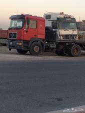 للبيع أو للإيجار عدد 2 رأس شاحنة مع السطحة (الأولى) من نوع مرسيدس موديل 2000 (والثانية) من نوع مان م