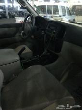 جيب لاندكروزر موديل 2005 خالي من السمكره و على الشرط ماشي 400 وكسور
