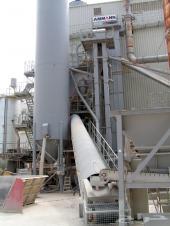 للبيع من المانيا خلاطه اسفلت أمان سنة 2002 طاقة انتاجية 250 طن بالساعة