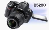 للبيع كاميرا Nikon D5200 نظيفة جدا استخدام قليل