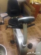 للبيع ( ماكينة خياطة - دراجة رياضية - براده )