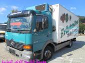 للبيع شاحنة مرسيدس مع ثلاجة موديل 2004