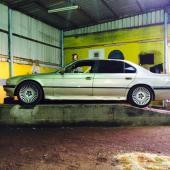 BMW 745  للبيع تشليح او نقل الحد 3000