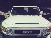 للبيع سيارة تويوتا جيب اف جيه FJ فل كامل2 سعودي أبيض موديل 2013م نظيف جدا