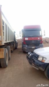 شاحنة مرسيدس قلاب