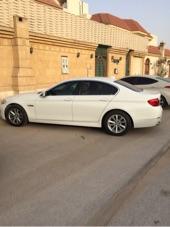 للمتميزين سياره BMW  520i اللون ابيض