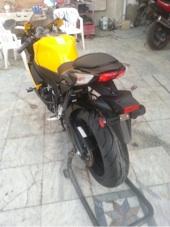 للبيع ريس سوزوكي 2012 اللون اصفر