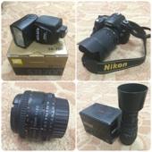 للبيع كاميرا نيكون D90 مع ملحقاتها ..