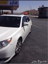 سيارة افالون 2011 لؤلؤي فل كامل بدون شاشة للبيع