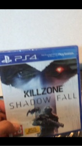 للبيع شريط killzone shadow fall لل ps4