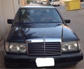 سيارة مرسيدس 300 موديل 1991