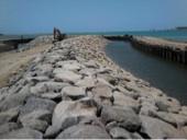 تنفيذ أعمال رصيف بحري