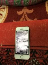 جوال أيفون للبيع 5S نظيف