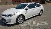 للبيع سيارة تويوتا افالون موديل 2013