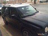 سيارة جيب شيروكي باتروييت اسود للبيع