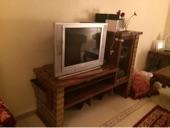 تلفزيون LG فلاترون ديجتال اي 40 بوصة   دولاب خشبي للتلفزيون   شوفنيرة 5 ادراج