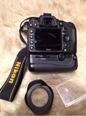 كاميرا نيكون D7000 بحالة الوكالة
