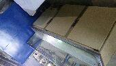 للبيع ثلاجه عرض مقبلات مترين و3 طاولات قزاز شكل أنيق